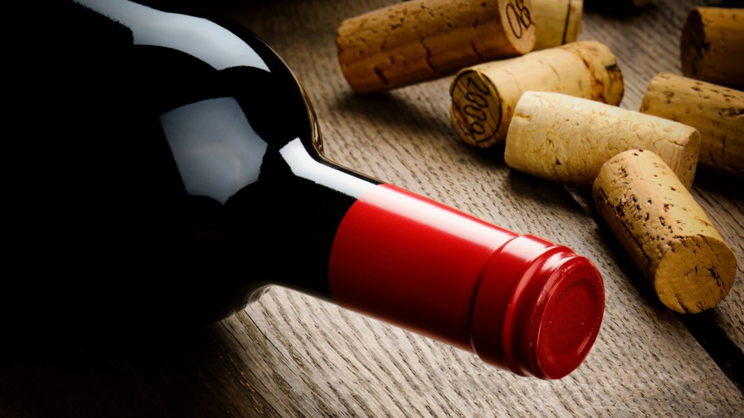 Immagine Wine distribution channels and worldwide taxation